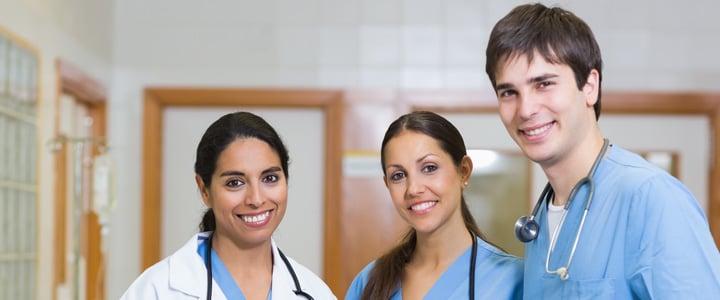 La enfermería es una profesión que se puede estudiar indistintamente del género.