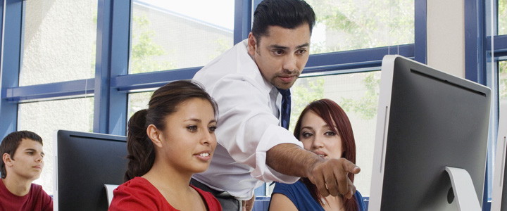 Los ingenieros industriales pueden trabajar en el área de educación